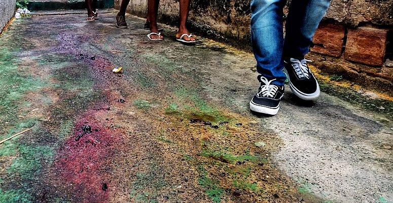 https://www.correio24horas.com.br/noticia/nid/pm-morto-em-ondina-foi-atacado-com-facadas-por-desconhecido-em-beco-video/