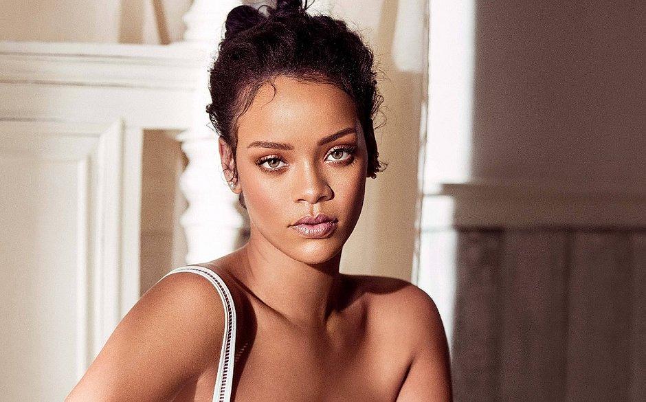 Rihanna deixa seguidores chocados com foto de sósia mirim