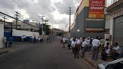 Rodoviários fazem assembleia e atrasam saída de ônibus em Salvador
