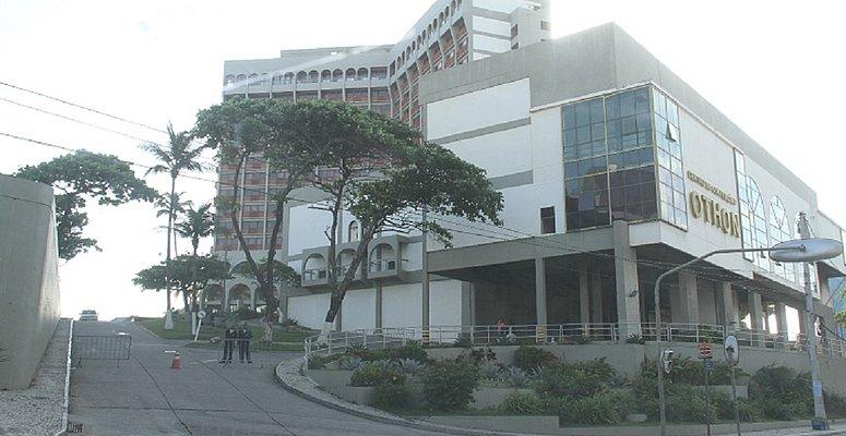 https://www.correio24horas.com.br/noticia/nid/o-ultimo-a-sair-apaga-a-luz-do-othon-hotel-ja-esta-sem-nenhum-hospede/