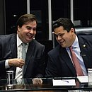 Rodrigo Maia, presidente da Câmara, e Davi Alcolumbre, presidente do Senado, na cerimônia da aprovação da reforma