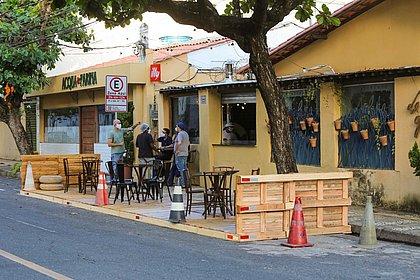 Veja lista atualizada de bares e restaurantes que podem usar calçadas de Salvador