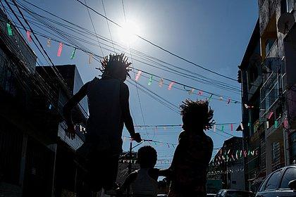 Bandeirolas na Rua das Almas, Cidade Nova