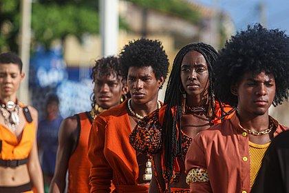 Looks do Afro Fashion Day falam sobre o ciclo de vida do dendê
