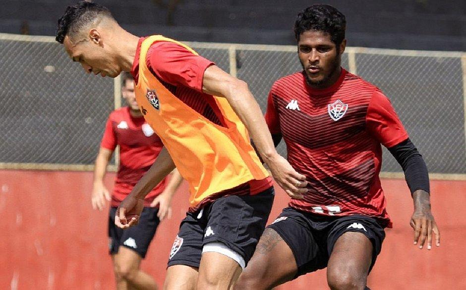 Marcelinho treina pelo segundo dia consecutivo na Toca do Leão