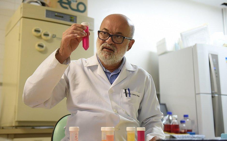 'Estamos focando no coronavírus e esquecendo da dengue', diz virologista