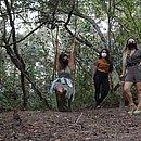 Amigas, Camila Lunelli, Larissa Drumond e Gabriela Mangabeira  compram um terreno no mesmo loteamento na Praia do Forte