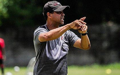 Rodrigo Chagas ajusta o time do Vitória na Toca do Leão