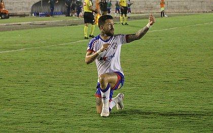 Rossi fez três gols no triunfo do Bahia sobre o Campinense na Copa do Brasil