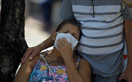 População se protege para não ser infectada pelo coronavírus