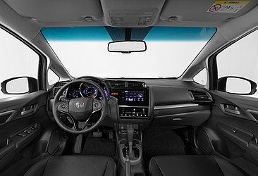 O interior é basicamente o mesmo e a versão EXL deste Honda conta com seis airbags