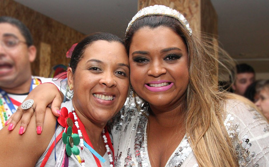 Marília com a irmã, Preta Gil, no Camarote Expresso 2222 em 2010