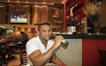 O empresário Iuri Silva gastou R$ 3 mil em cerveja no último Carnaval: 'No carnaval eu perco o rumo mesmo. Não tem jeito'