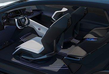 O carro conceito LF-Z tem desenho arrojado e o interior lembra uma espaçonave