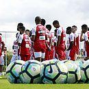 Elenco do Bahia está à espera de um técnico após a demissão de Preto