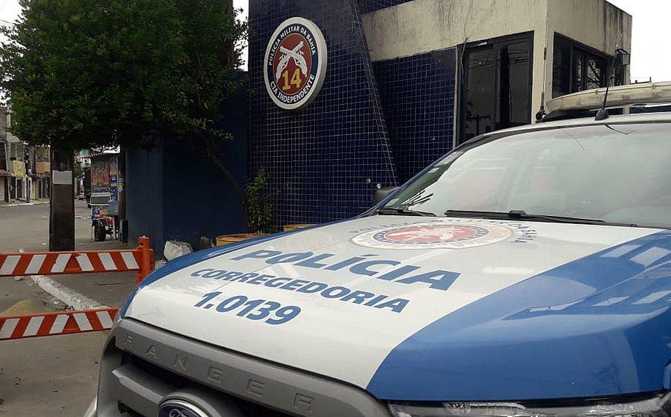 Seis PMs são presos acusados de extorsão em Salvador