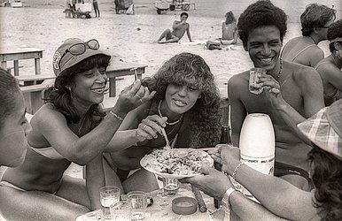 Praia do SESC, conhecida como Praia dos Brotos, em 1985