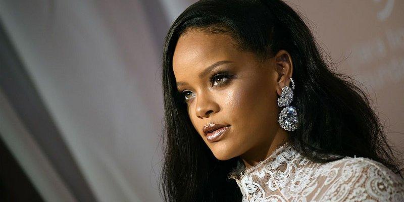 Rihanna recusa convite para cantar no Super Bowl em protesto