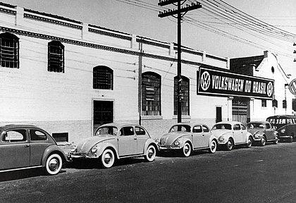 O Volkswagen Fusca liderou as vendas de carros zero-quilômetro no mercado brasileiro entre 1959 e 1982