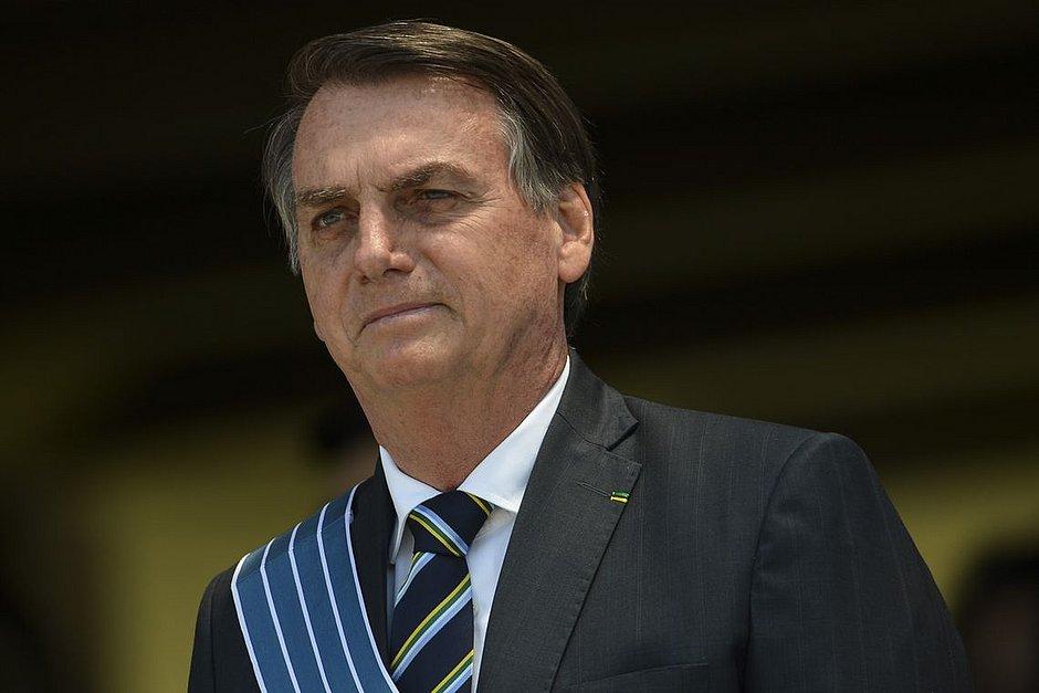 Bolsonaro diz ser contra taxar energia solar, mas ressalva: 'decisão é da Aneel'