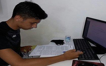 Rafael de Carvalho, de 17 anos, garante que o álcool em gel e a máscara serão seus itens essenciais para a prova