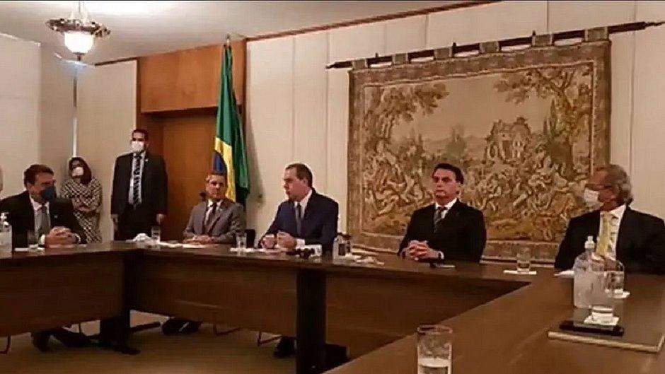 Com empresários, Bolsonaro vai ao STF e faz apelo para amenizar medidas restritivas