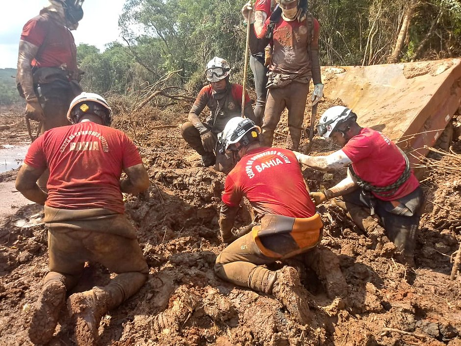 Brumadinho: bombeiros baianos especialistas em resgate atuam em MG