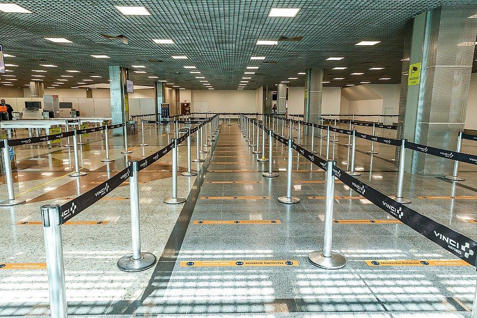 Embarque volta a ser realizado no segundo andar do aeroporto de Salvador