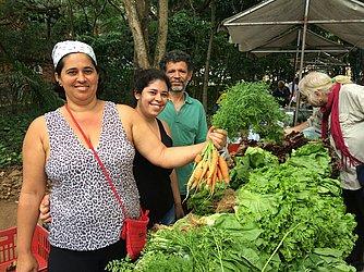 Família Gomes mantem produção de alimentos orgânicos há três gerações.