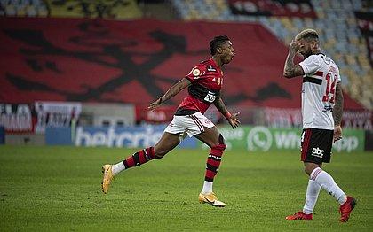 Bruno Henrique fez três gols para o Flamengo sobre o São Paulo