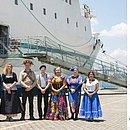 Organização de navio-livraria pede desculpas após post sobre 'demônios' em Salvador