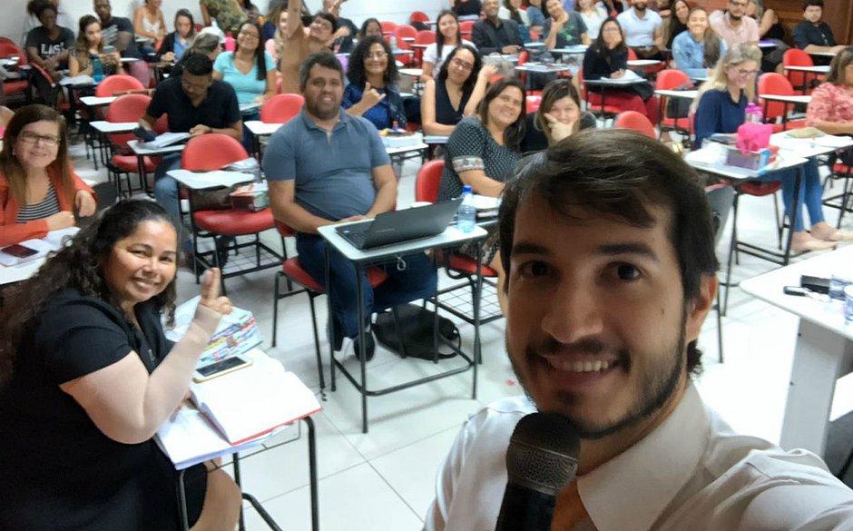 André Malheiros salienta sobre a necessidade de estabelecer uma rotina de estudo que respeite o perfil do candidato