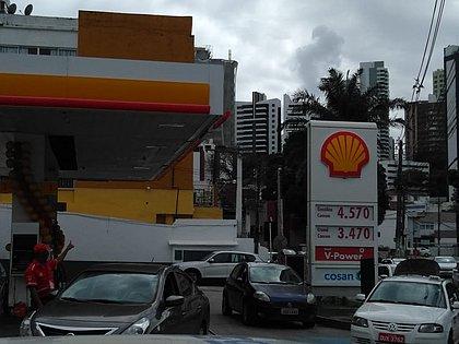Acabou! 2,8 mil postos da Bahia estão sem combustível, diz sindicato