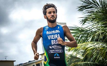 Bruno Vieira tem 21 anos e é o terceiro colocado no ranking brasileiro sub-23 de Triathlon