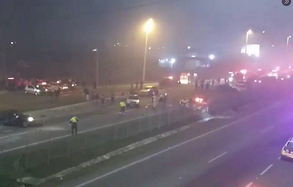 Acidente grave deixa 7 mortos e 30 feridos em estrada no Paraná