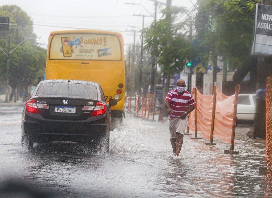 Salvador tem alerta derisco alto dedeslizamentos e chuvas fortesnas próximas 48 horas