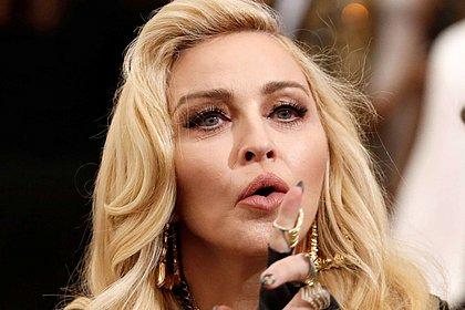 Madonna diz que testou positivo para anticorpos do coronavírus