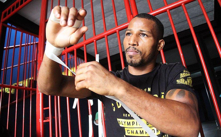 Robson volta aos ringues em 31 de março