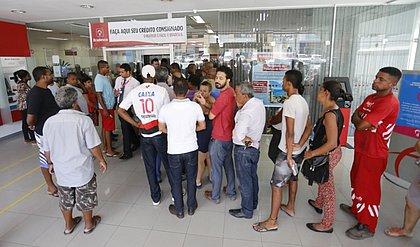 Bancos reabrem 12h nesta Quarta-feira de Cinzas (14)