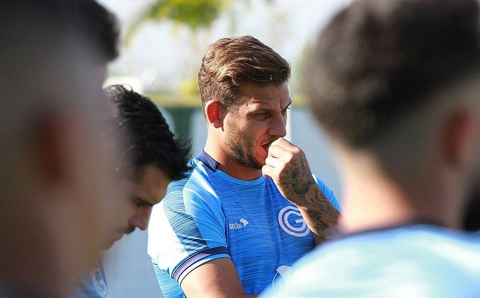 Rafael Moura divulga quais jogadores do Goiás estão com covid-19