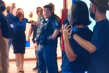 Globo simulou entrada ao vivo na TV para negociar com criminoso, diz coluna