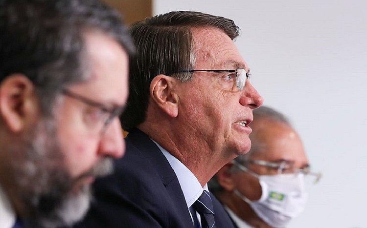 Bolsonaro anuncia volta do programa de redução de jornadas e salários