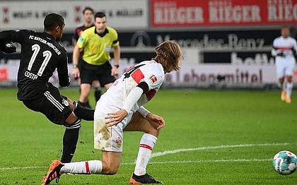 Foi o primeiro gol de Douglas Costa neste retorno ao Bayern