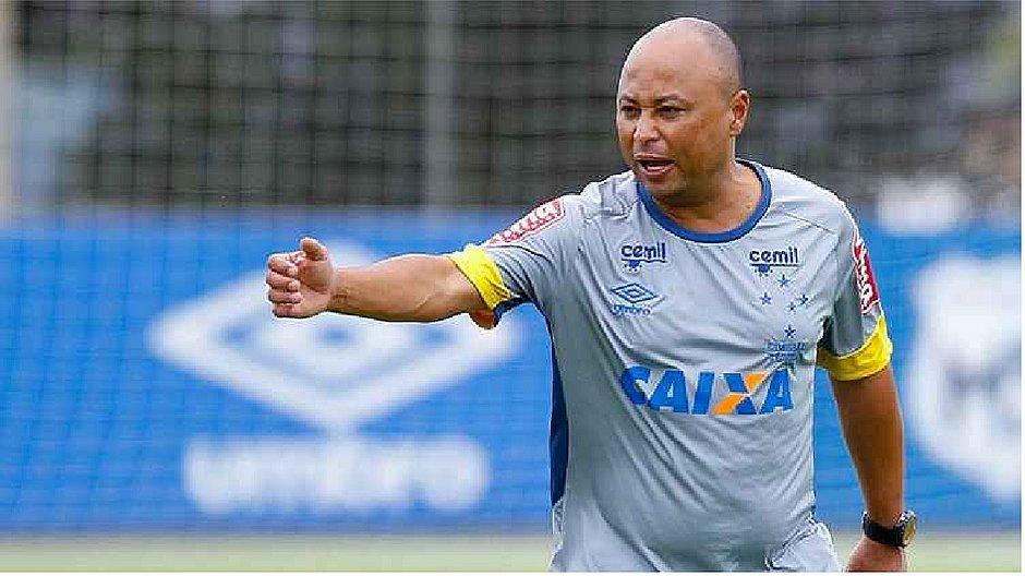 Eduardo Silva era esperado no Bahia após recuperação de cirurgia