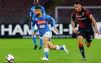 Napoli só empata com o Genoa, mas evita título antecipado da Juve