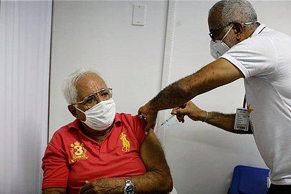 Vacinômetro: Bahia tem 433 mil vacinados; e fica perto de 100 mil com 2ª dose