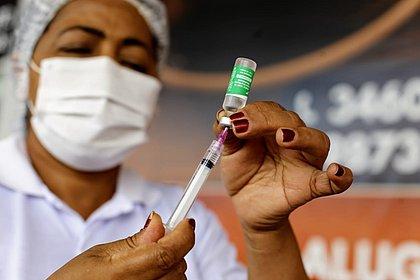Atraso na distribuição de vacinas preocupa municípios baianos
