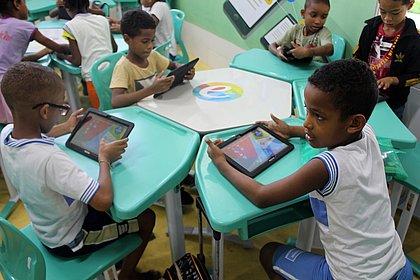 Inovação, tecnologia e construção de redes de interação mudam o perfil da educação