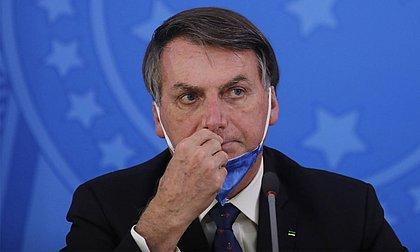 Bolsonaro acusa Barroso de 'militância política' e 'politicalha' por CPI da Covid
