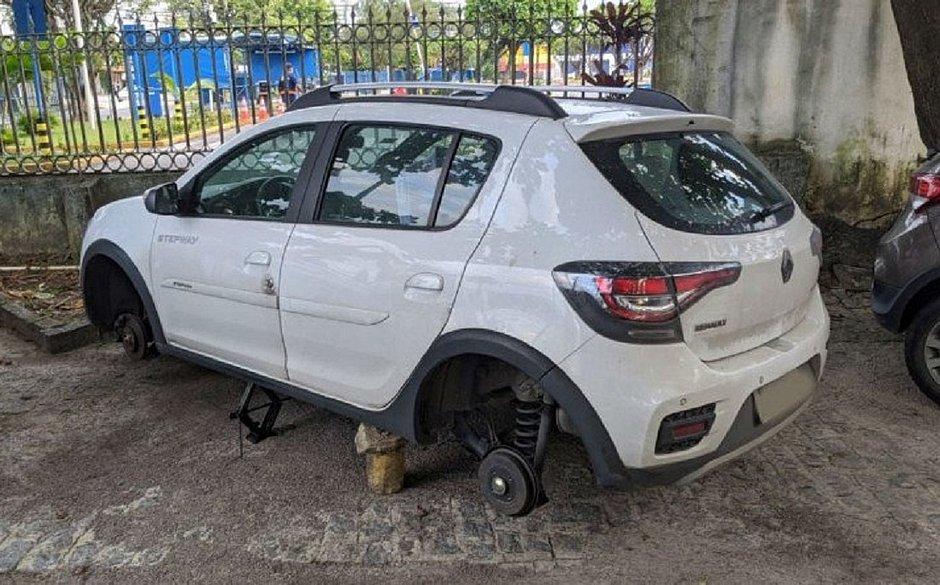 Médico tem pneus de carro furtados enquanto atendia pacientes com covid-19